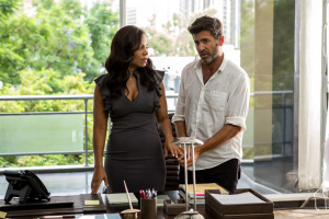 Sanaa Lathan and director David Rosenthal on the set of Screen Gems' THE PERFECT GUY.